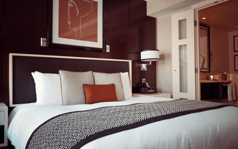 hotel room hack