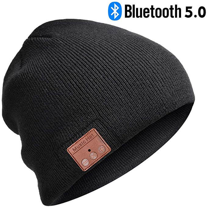 Gift ideas for skiers and snowboarder - check out this Bluetooth Music Beanie